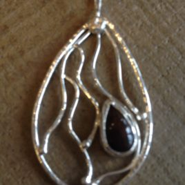 Pendant – Sterling silver filigree pendant with Ethiopian black opal