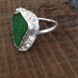 Ring – Beach glass set in sterling silver (adjustable)