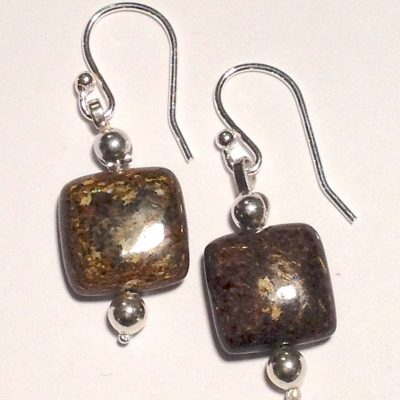 ELER162 - Sterling silver earrings with square brown beads