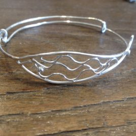 Bangle – Sterling silver fish adjustable