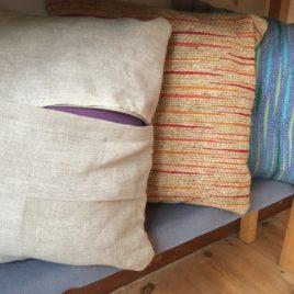T302 : Cushion covers Apr 20