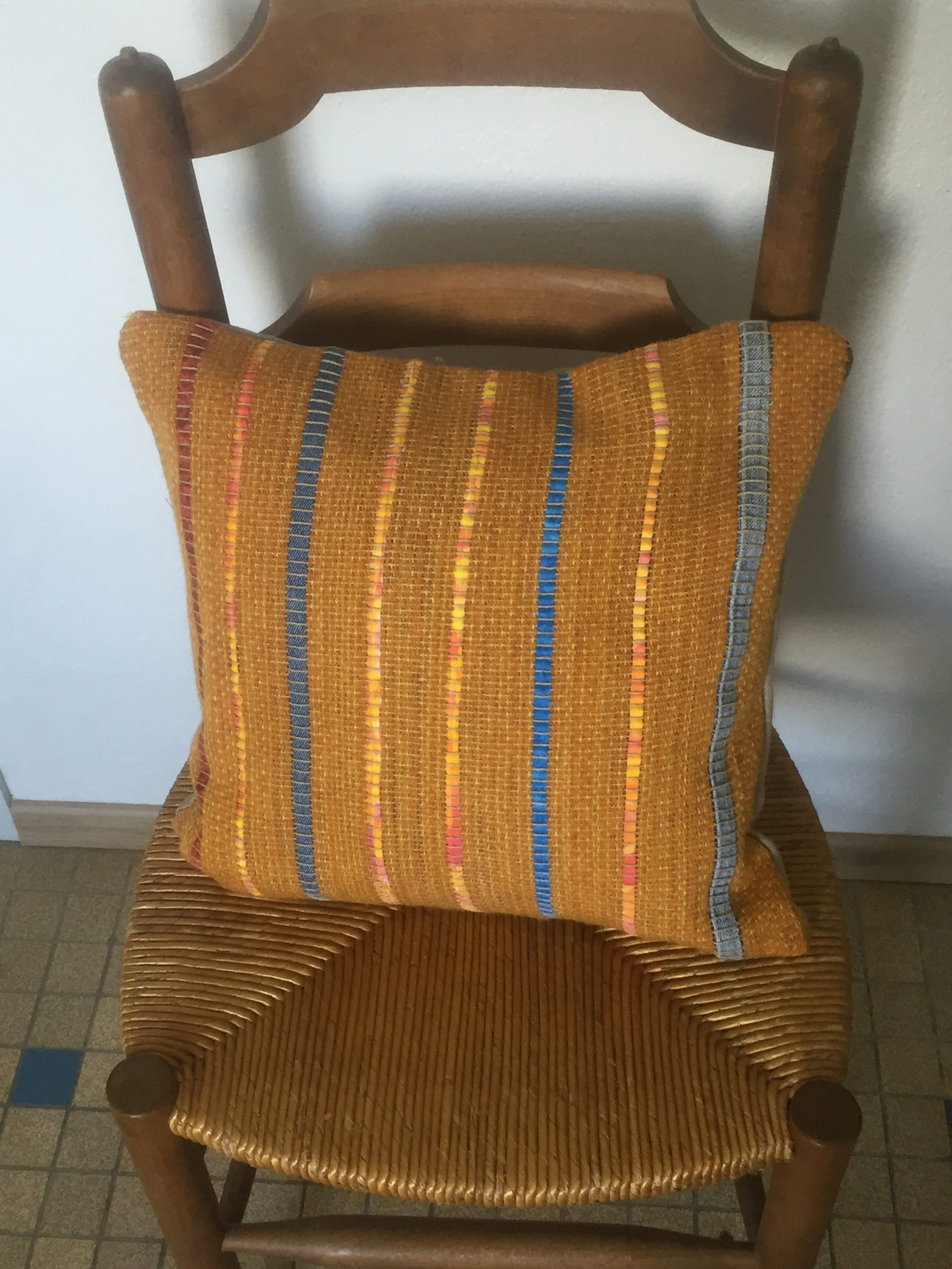 Handwoven Cushion Cover 50€ 40cm x 40cm (1 / 2)