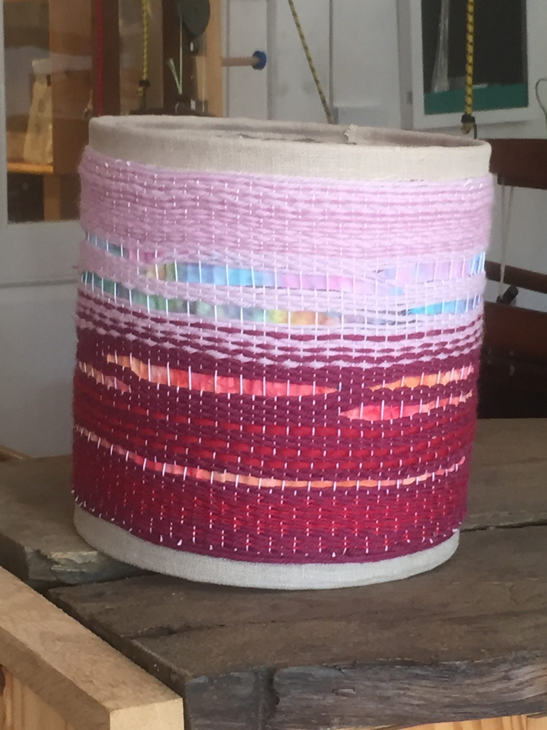 Lampshade in magenta and pink 32€