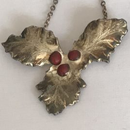 Necklace – Sterling Silver Holly leaf and berry necklace