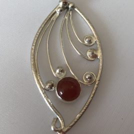 Pendant – Sterling silver filigree with carnelian stone