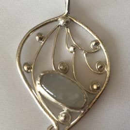 Pendant – Sterling silver filigree with oval moonstone
