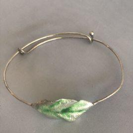 Bracelet – Sterling silver green enamelled leaf