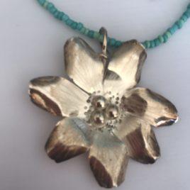 Pendant – Sterling Silver daisy flower