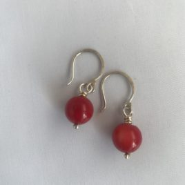 Earring – Sterling silver with coral bead