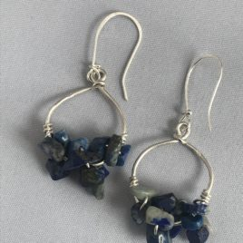 Earring – Sterling silver with lapis-lazuli chips