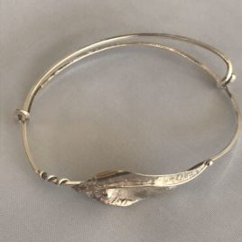 Bracelet – Sterling silver wire with one leaf