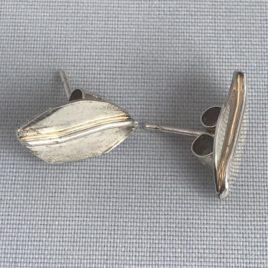 Earring – Sterling silver leaf