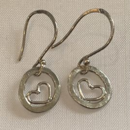 Earring – Sterling silver circle with heart